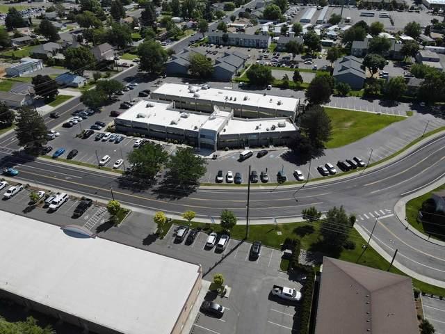 500 N Morain, Kennewick, WA  (MLS #254409) :: Story Real Estate