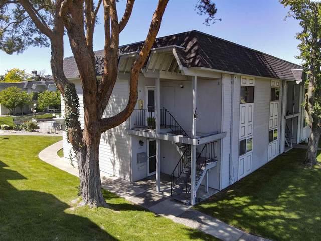 2401 W Canal Drive #7B, Kennewick, WA 99336 (MLS #254415) :: Story Real Estate