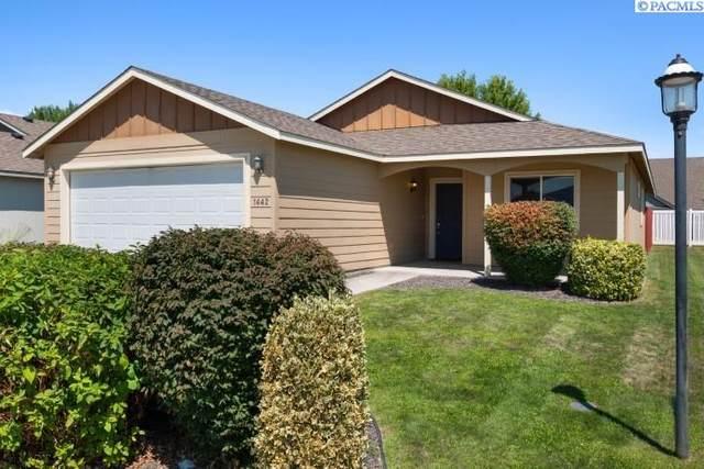1442 Larkspur Drive, Richland, WA 99352 (MLS #255217) :: Shane Family Realty