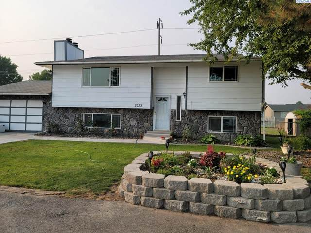 2023 W 22nd Ave, Kennewick, WA 99337 (MLS #255511) :: Columbia Basin Home Group