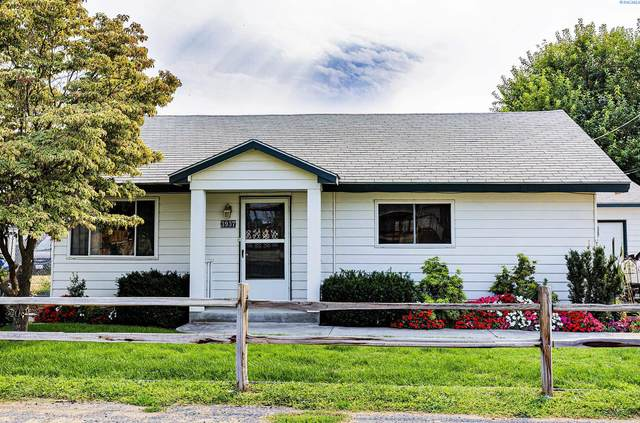 3937 W Augusta St, West Richland, WA 99353 (MLS #256567) :: Results Realty Group