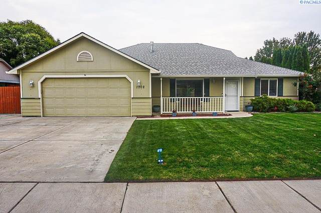 1702 Maplewood Ave, West Richland, WA 99353 (MLS #256643) :: Tri-Cities Life