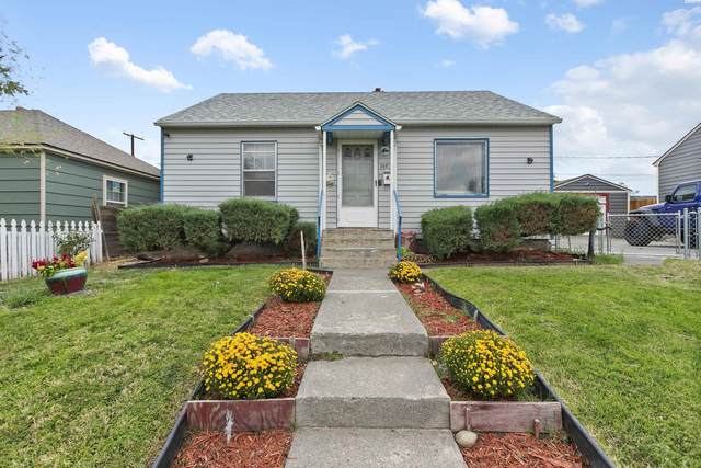 305 E 3rd Ave, Kennewick, WA 99336 (MLS #256748) :: Premier Solutions Realty
