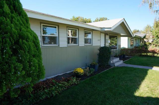 1228 Lincoln Drive, Pasco, WA 99301 (MLS #256752) :: Premier Solutions Realty