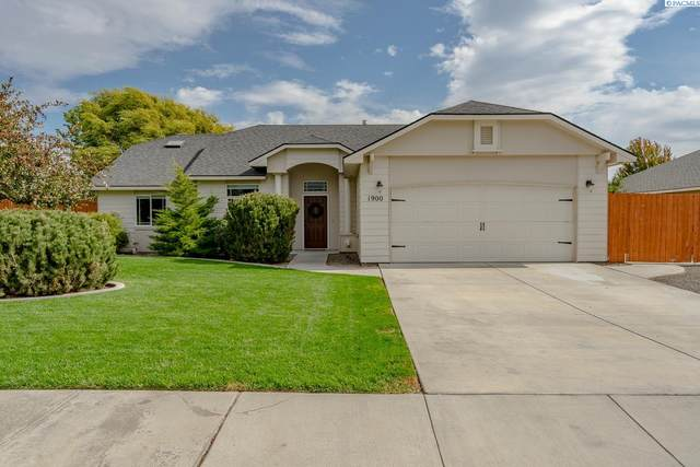 1900 Maplewood Ave, West Richland, WA 99353 (MLS #256759) :: Community Real Estate Group