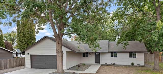 1103 W 43rd Avenue, Kennewick, WA 99337 (MLS #256783) :: Community Real Estate Group