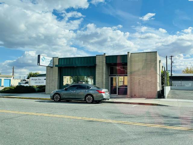 702 W Lewis, Pasco, WA 99301 (MLS #257259) :: Tri-Cities Life