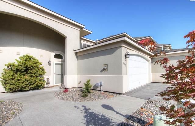 717 Hanford St, Richland, WA 99354 (MLS #257352) :: Columbia Basin Home Group