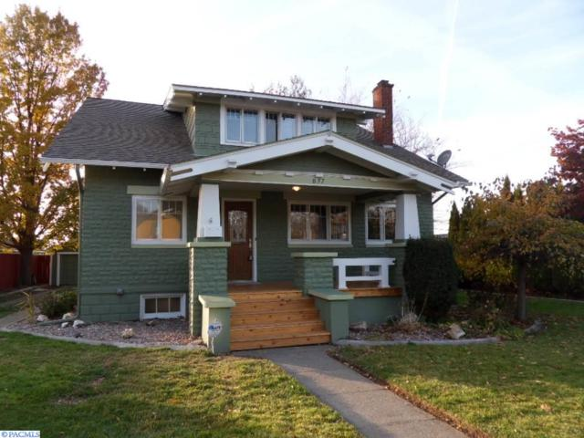 837 Court St., Prosser, WA 99350 (MLS #225806) :: Premier Solutions Realty