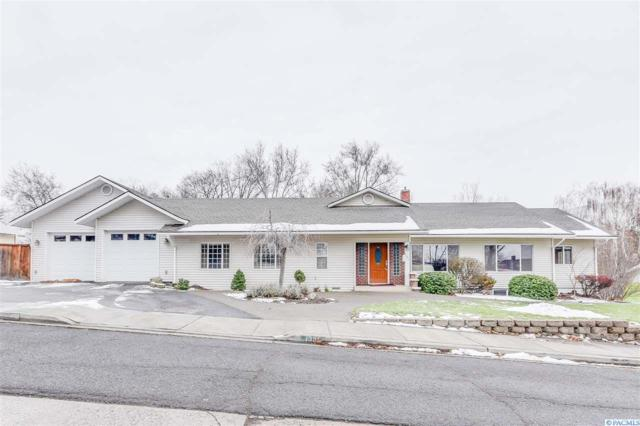 1331 Prosser Ave, Prosser, WA 99350 (MLS #226493) :: Premier Solutions Realty
