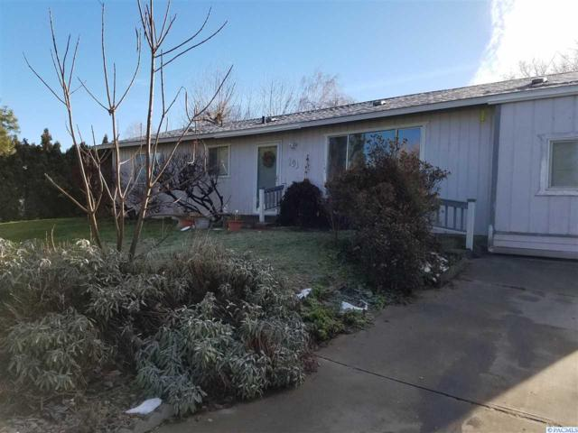 101 Walker Place, Prosser, WA 99350 (MLS #226518) :: Premier Solutions Realty