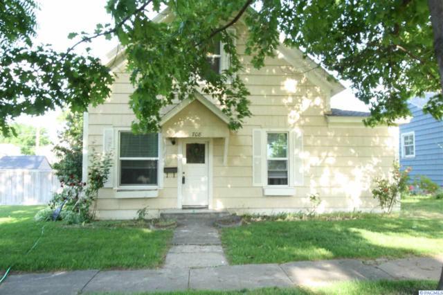 708 Court St, Prosser, WA 99350 (MLS #229667) :: PowerHouse Realty, LLC