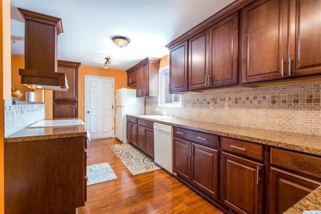 2075 Hoxie Ave, Richland, WA 99354 (MLS #232329) :: Dallas Green Team