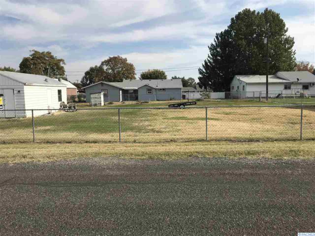 1913 S Rainier Place, Kennewick, WA 99337 (MLS #233284) :: Premier Solutions Realty