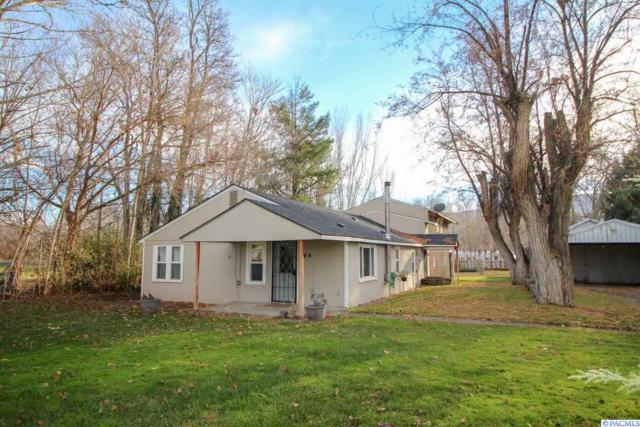 111 Alma Avenue, Benton City, WA 99320 (MLS #233517) :: Community Real Estate Group