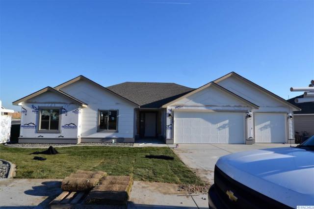 4425 Sumas Ln, Pasco, WA 99301 (MLS #234197) :: Community Real Estate Group