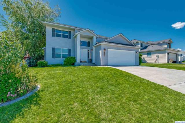 402 W Canyon Lakes Dr, Kennewick, WA 99337 (MLS #237885) :: Community Real Estate Group
