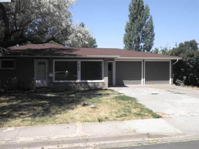 725 NW Clifford St, Pullman, WA 99163 (MLS #239119) :: Beasley Realty