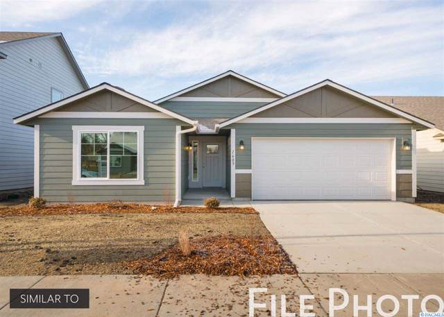 580 E 35th Ave, Kennewick, WA 99337 (MLS #240255) :: The Lalka Group