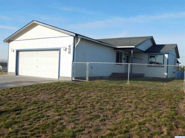 606 S Hugo Ave, Pasco, WA 99301 (MLS #241257) :: Dallas Green Team