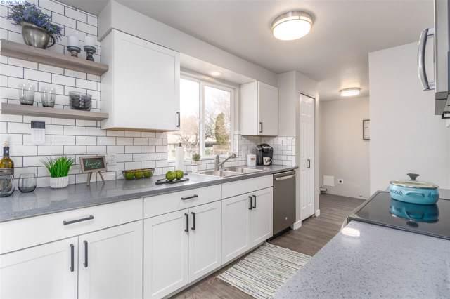 902 W 42nd Ave, Kennewick, WA 99337 (MLS #242353) :: Beasley Realty