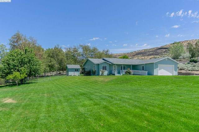 106411 E Badger Rd, Kennewick, WA 99338 (MLS #244839) :: Tri-Cities Life