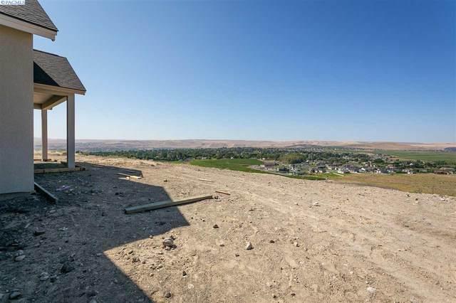 2319 Skyview Loop, Richland, WA 99352 (MLS #247089) :: Cramer Real Estate Group