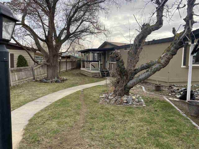 2917 W 19th, Kennewick, WA 99337 (MLS #251226) :: The Phipps Team