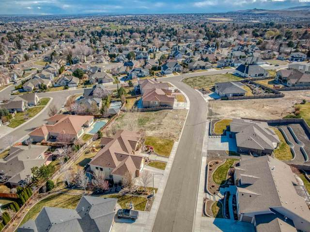 316 Soaring Hawk St, Richland, WA 99352 (MLS #252146) :: The Phipps Team