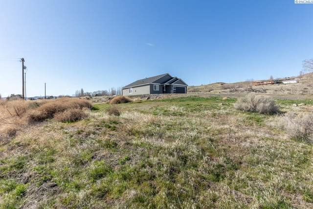 401 W Trinity Ln Pr, Benton City, WA 99320 (MLS #252450) :: Matson Real Estate Co.