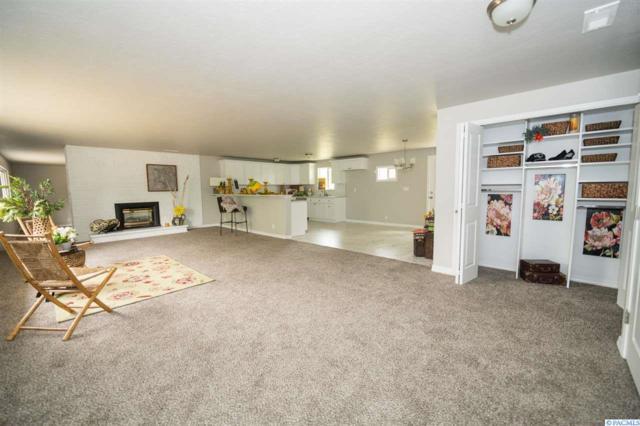 215303 E 22nd Ave, Kennewick, WA 99337 (MLS #237311) :: Community Real Estate Group