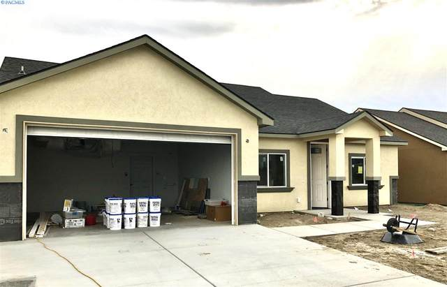 1810 E Highland St, Pasco, WA 99301 (MLS #247467) :: Columbia Basin Home Group