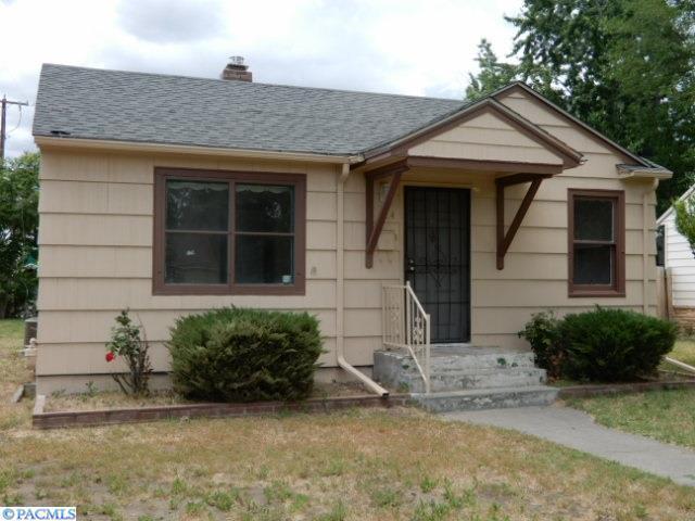 824 S Alder Street, Kennewick, WA 99336 (MLS #222344) :: Dallas Green Team
