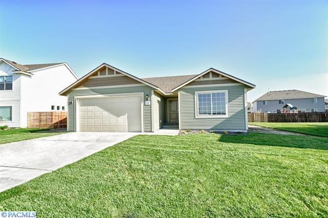 5002 Antioch Drive, Pasco, WA 99301 (MLS #223896) :: Dallas Green Team