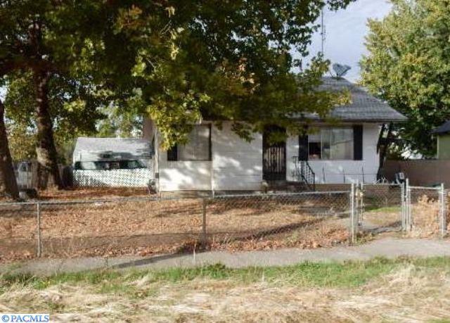 224 Mcauliff Avenue, Walla Walla, WA 99362 (MLS #224261) :: Premier Solutions Realty