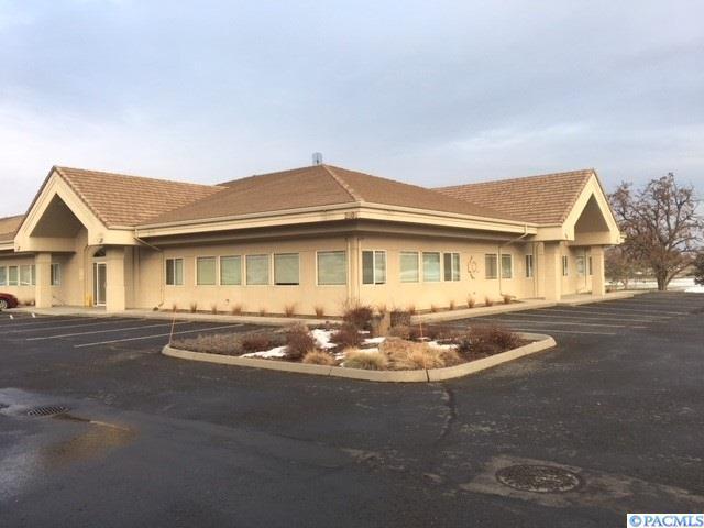 2805 St. Andrews Loop, Pasco, WA 99301 (MLS #226726) :: Premier Solutions Realty