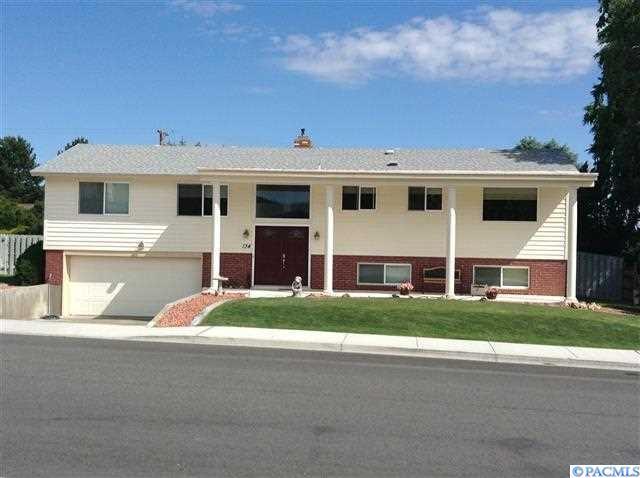 134 Oakland St, Richland, WA 99352 (MLS #228197) :: PowerHouse Realty, LLC