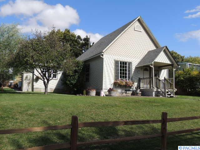 110 E Church St, Palouse, WA 99161 (MLS #232702) :: Dallas Green Team