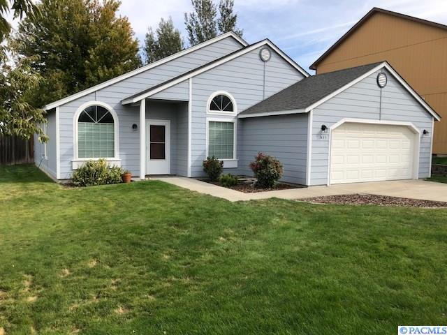 3435 S Dennis, Kennewick, WA 99337 (MLS #232738) :: The Lalka Group