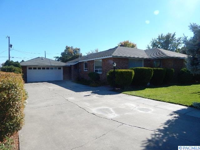 417 N Road 36, Pasco, WA 99301 (MLS #233239) :: PowerHouse Realty, LLC
