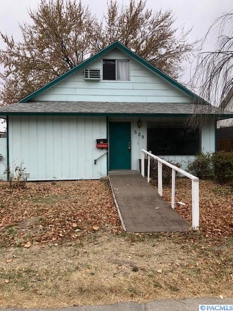 509 W 10th Ave, Kennewick, WA 99336 (MLS #233873) :: Dallas Green Team