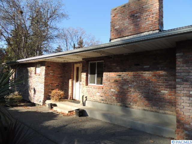 1820 NE Upper Drive, Pullman, WA 99163 (MLS #234748) :: Community Real Estate Group