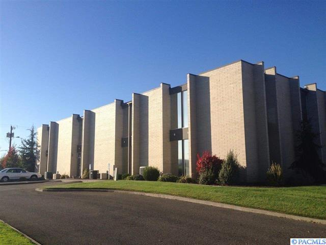 1201 Jadwin Avenue Suite 204, Richland, WA 99352 (MLS #235180) :: The Lalka Group