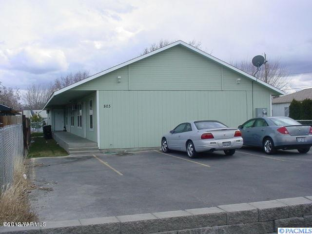 803 N 20th Ave, Yakima, WA 98902 (MLS #235184) :: Premier Solutions Realty