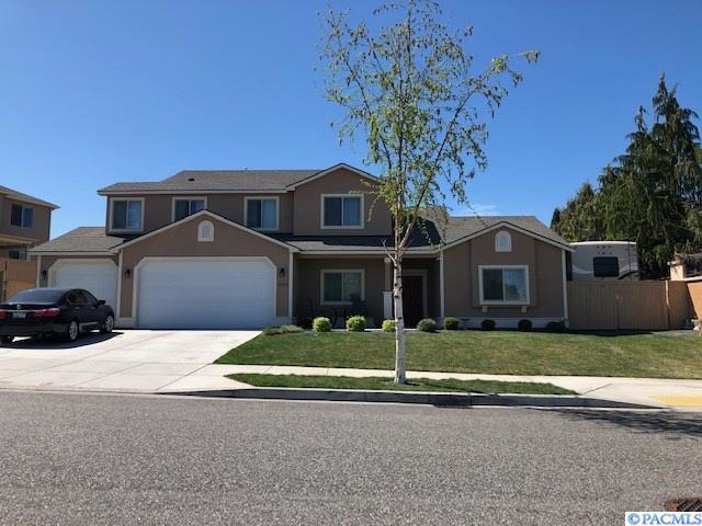 1207 N Montana St, Kennewick, WA 99336 (MLS #236672) :: Community Real Estate Group