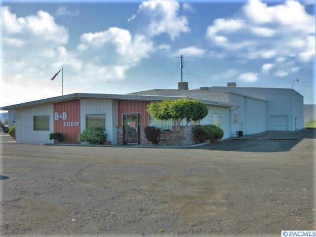 160201 W County Road 12, Prosser, WA 99350 (MLS #237275) :: The Lalka Group