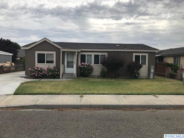 526 N Yost, Kennewick, WA 99336 (MLS #238902) :: Dallas Green Team