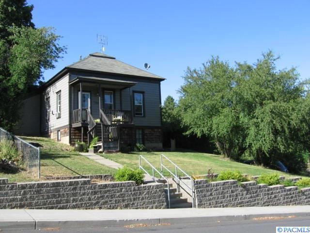 530 E Mohr St., Palouse, WA 99161 (MLS #239023) :: The Lalka Group