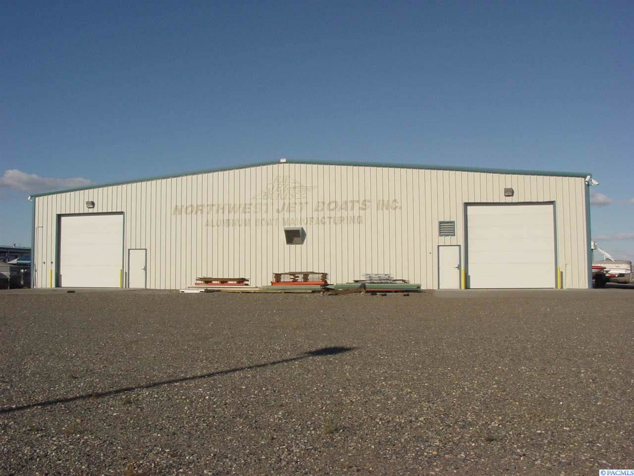 2212 Commercial Ave. - Photo 1