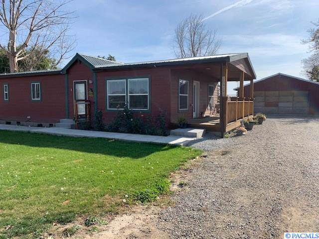 204203 E Schuster Road, Kennewick, WA 99337 (MLS #241303) :: The Phipps Team